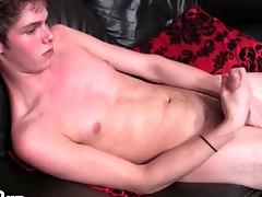 Skinny blah chest urchin masturbates his cock