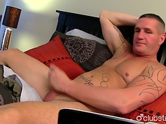 Robust Straight Guy Unallied Masturbating