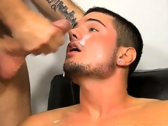 Well-pleased jocks He\'s assisting out the hunky Kris Anderson with his